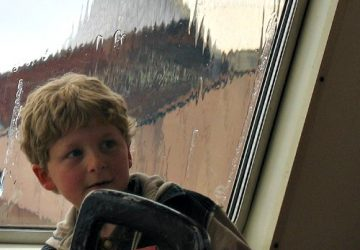 child, rainy day, Orin Zebest, Flickr