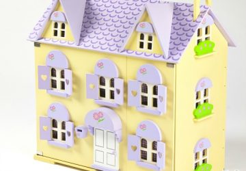 Berrybee Cottage, Big Game Hunters, wooden dolls house