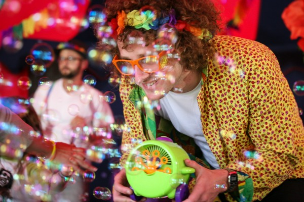 Rave-A-Roo bubbles, party