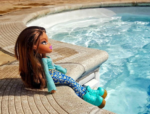 Bratz Remix Yasmin Doll by Swimming Pool